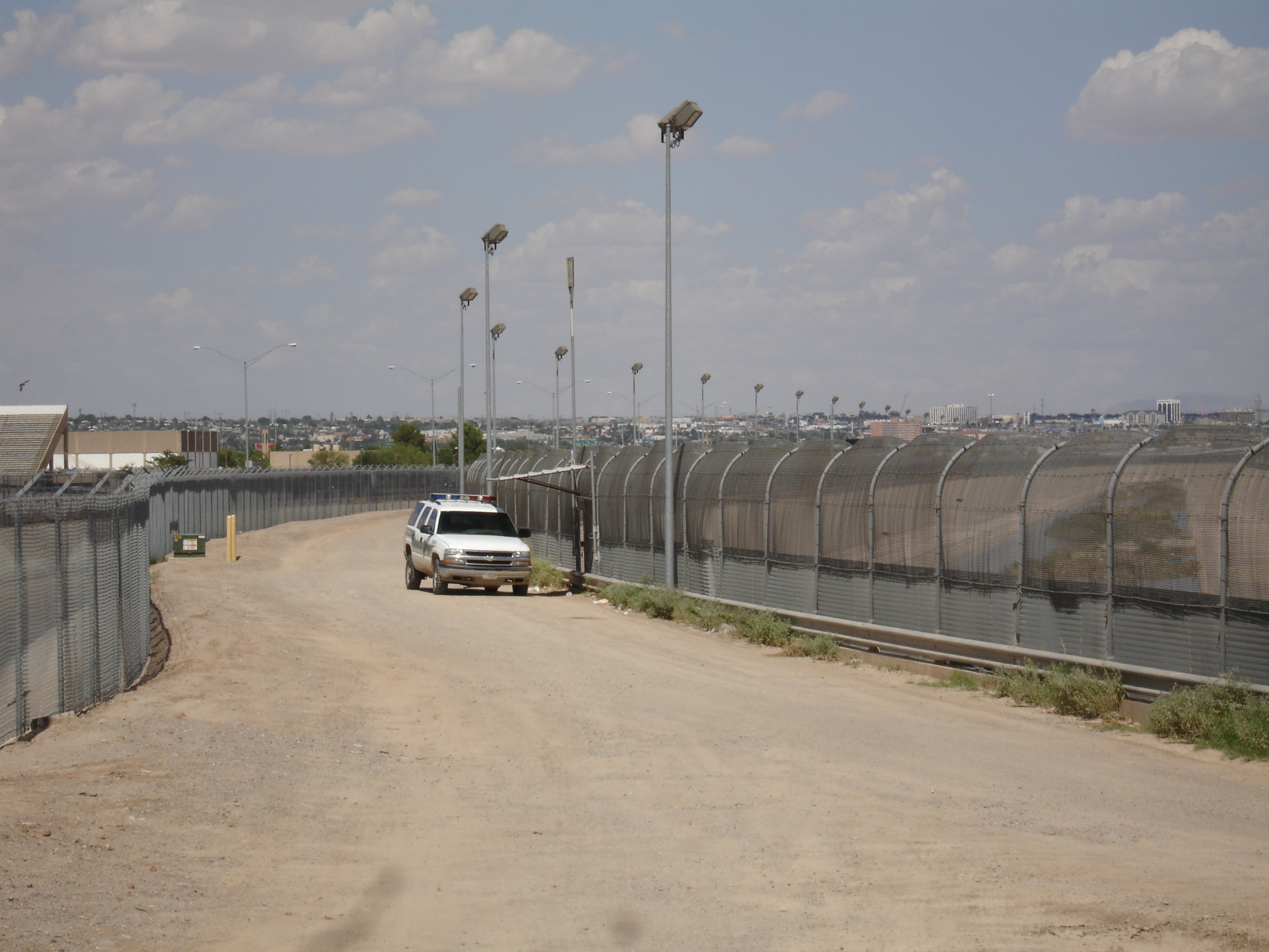 Build the wall: Mexican drug cartels using armored trucks in ongoing war along Texas border