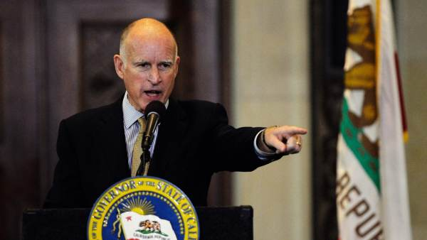 On his way out the door, Calif. Gov. Jerry Brown wants to pardon murderers and protect illegals