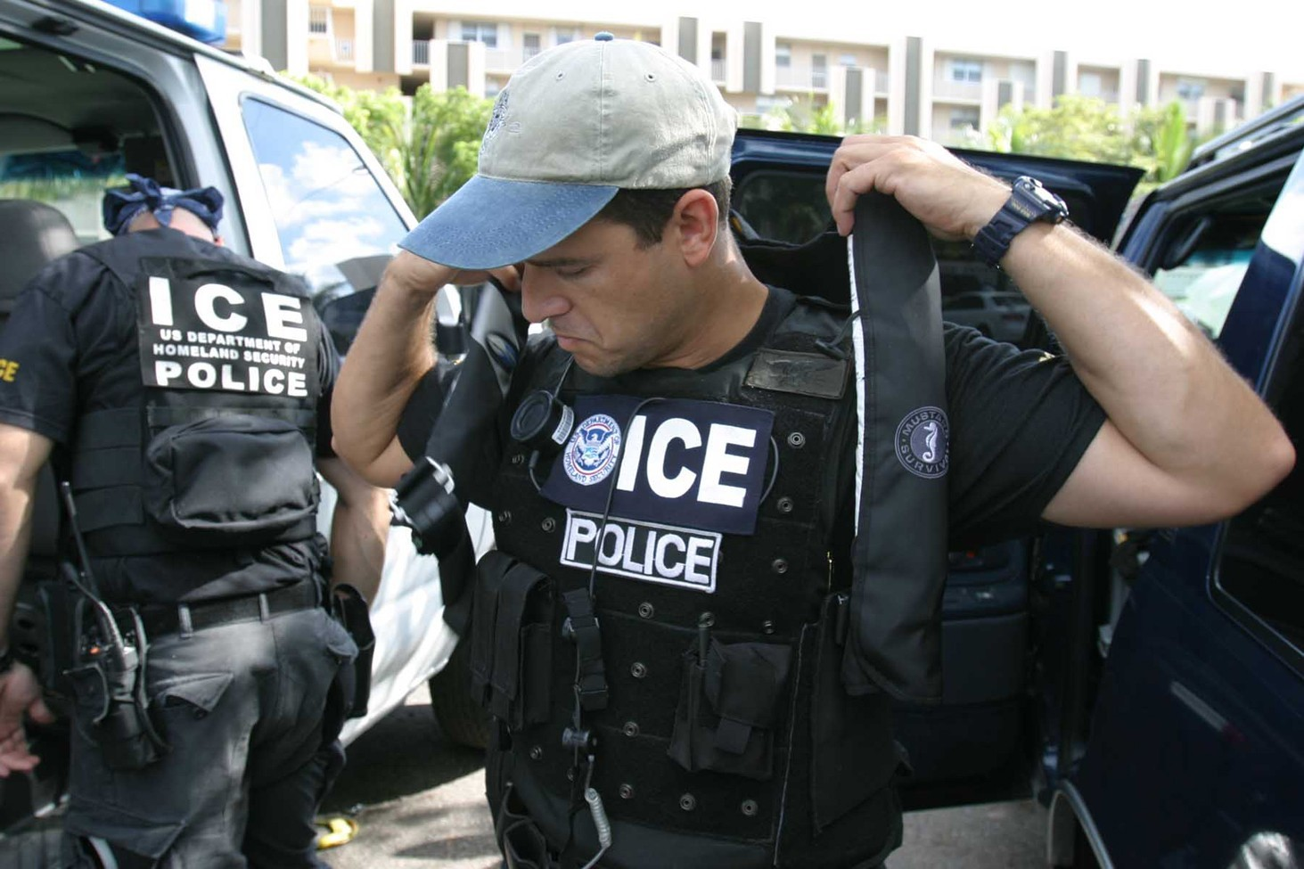 ICE tells California to bugger off AGAIN: Agents arrest another illegal alien criminal in 'defiance' of state law