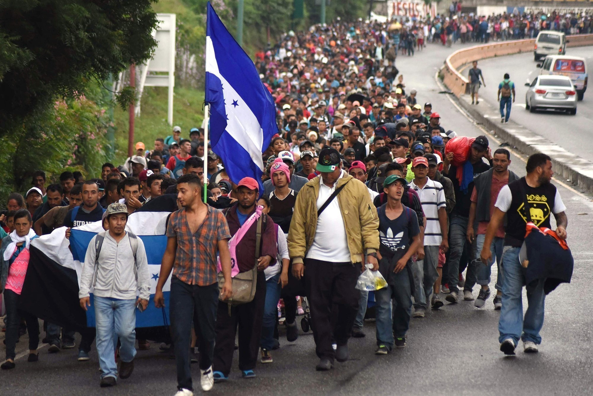 Border Patrol officials: Caravan migrant males using women, children as SHIELDS to throw rocks at agents