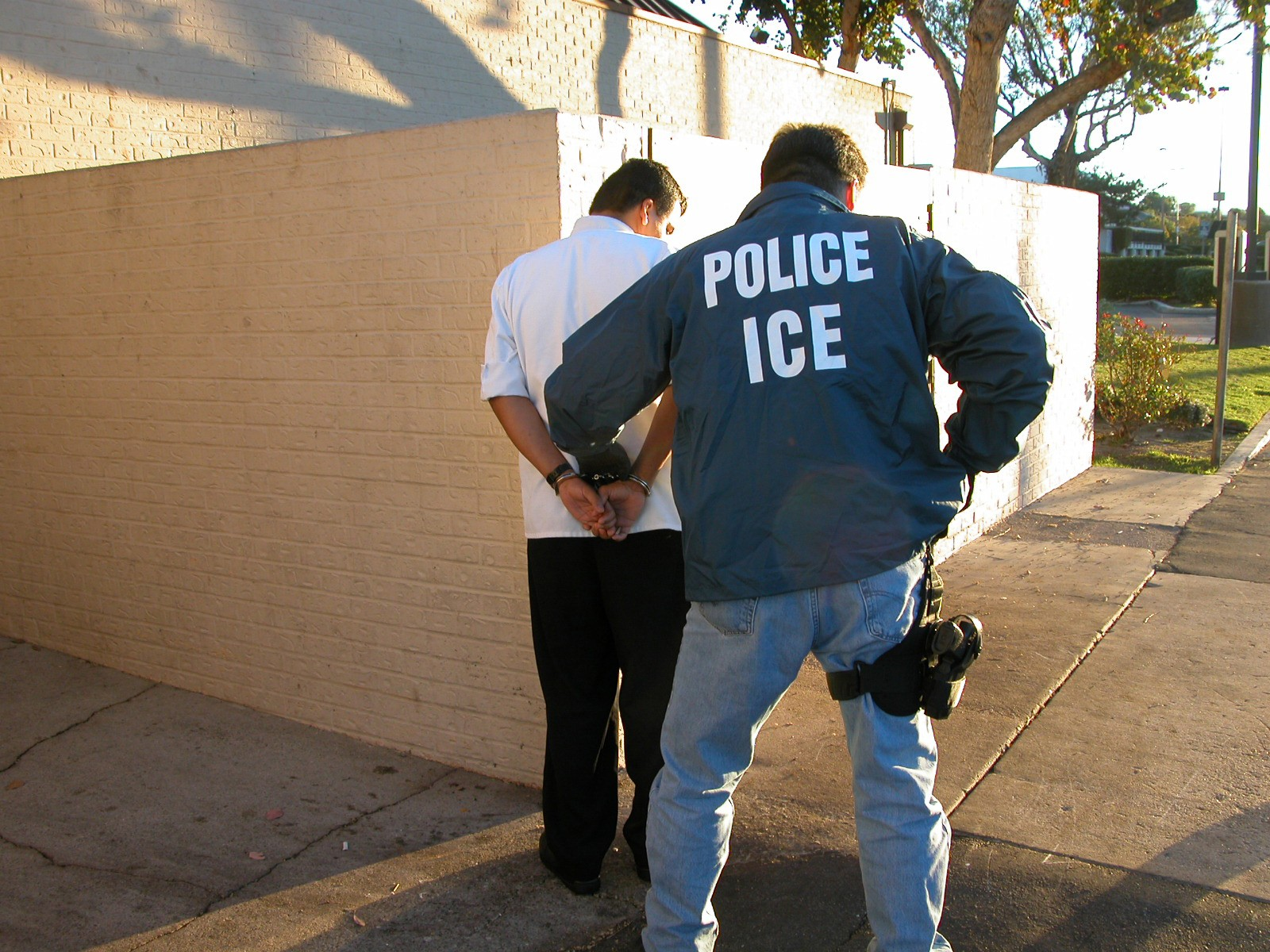 ICYMI: ICE tells California to pound sand as agents arrest two illegal immigrants in 'defiance of state law'