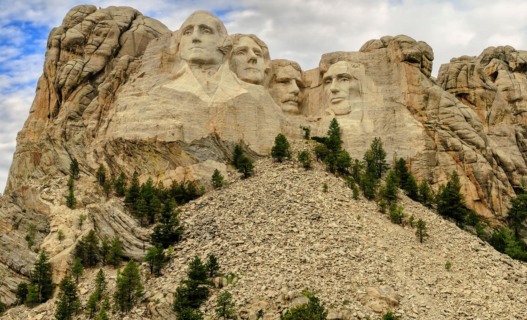 Fact check: No, the U.S. didn't 'steal' the land where Mount Rushmore sits from the 'original occupiers'