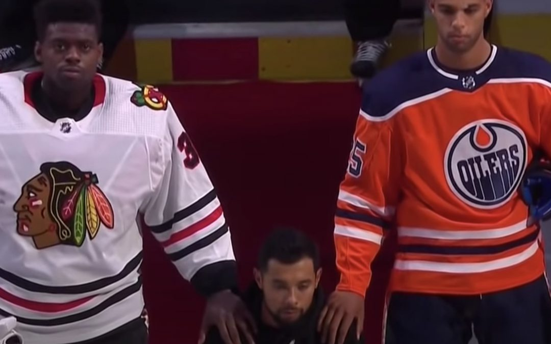 Of course: NHL player, who is Canadian, knelt for the U.S. Anthem but stood for his the anthem of his home country